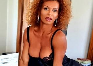 Video porno di REBEQUINHA Mistresstrav
